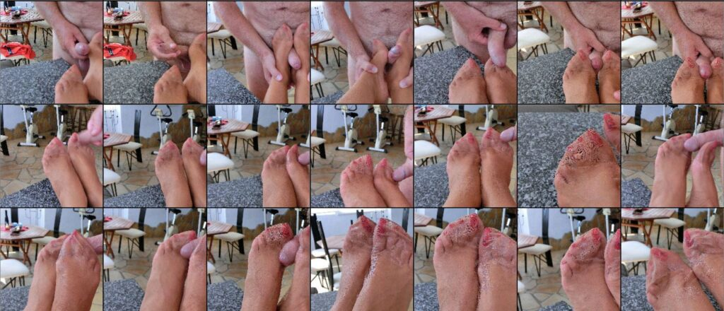 Thumb preview of the gallery of foot jerking with nylon feet